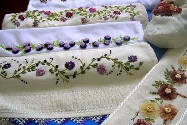 Embroidery With Silk Ribbons